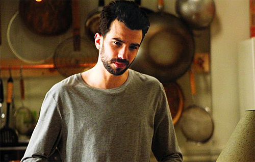 Jay Baruchel is lost in the kitchen.