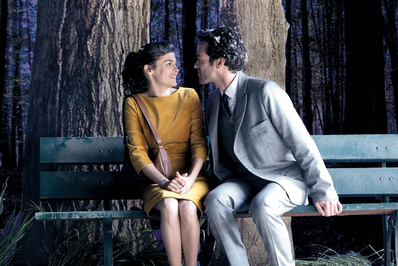 Audrey Tautou doesn't mind Roman Duris' extreme case of dandruff.