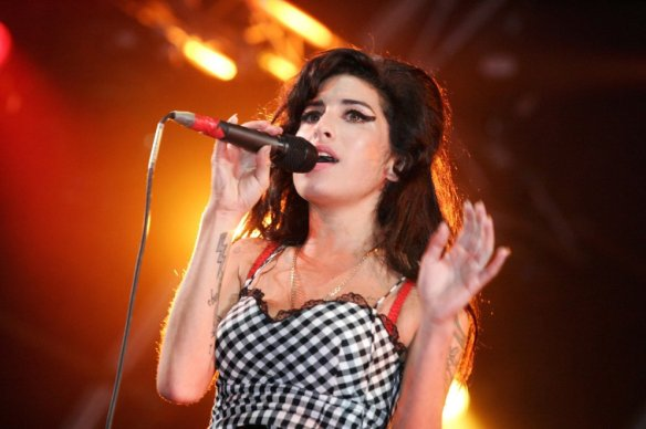 Amy Winehouse belts one out.