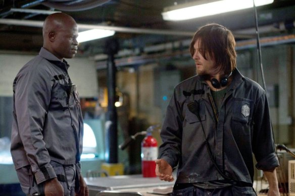 No matter how much Djimon Hounsou tries to bluster, Norman Reedus just can't reveal any The Walking Dead spoilers for next season.