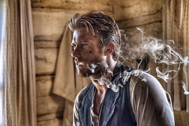 Scott Eastwood is smoking hot.