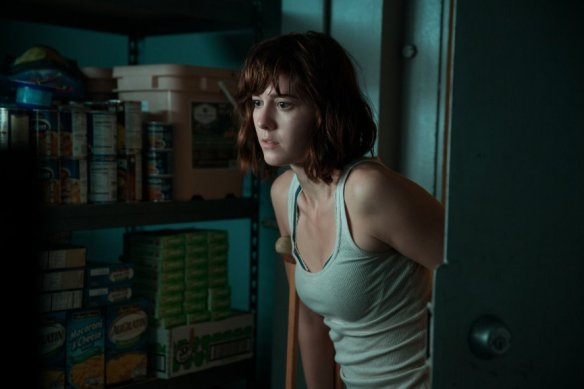 Mary Elizabeth Winstead goes for a late night snack in the larder.